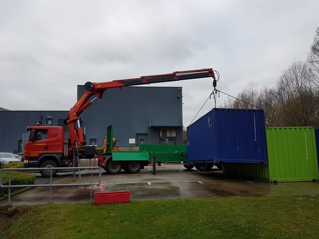 Installation with crane puller 44 to 20′ containers