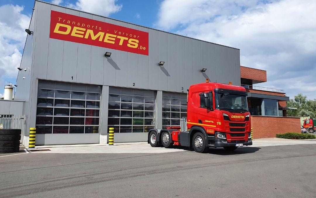 nieuwe trekker vrachtwagen-min